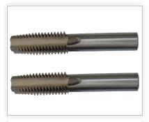 钢筋连接套管专用丝锥,可加工?16- ?40mm的钢筋连接套管。使用方便,加工效率高,尺寸精确,并可按用户要求,设计、加工专用及通用丝锥